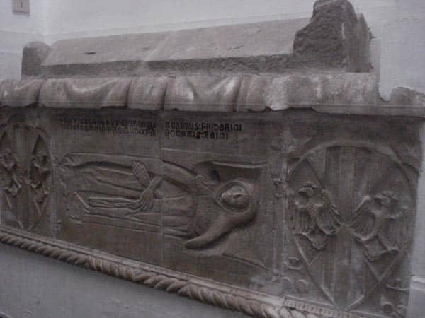 Кафедральный собор Палермо - Саркофаг 14 века