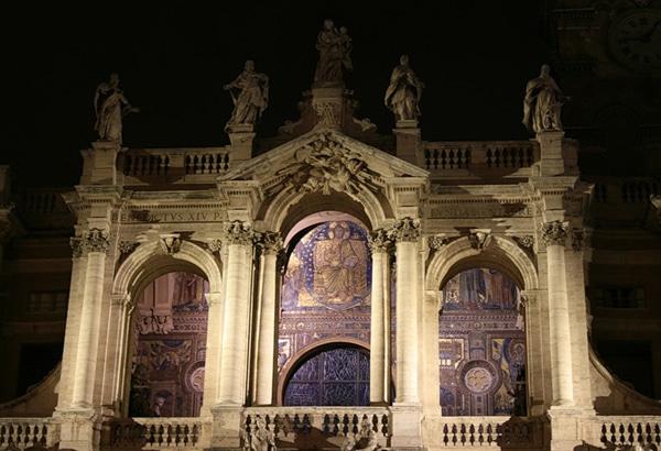 Современный фасад базилики Санта-Мария-Маджоре