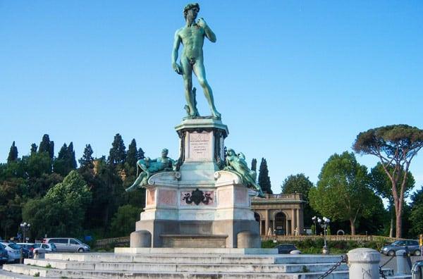 площадь Микеланджело во Флоренции копия статуя Давида