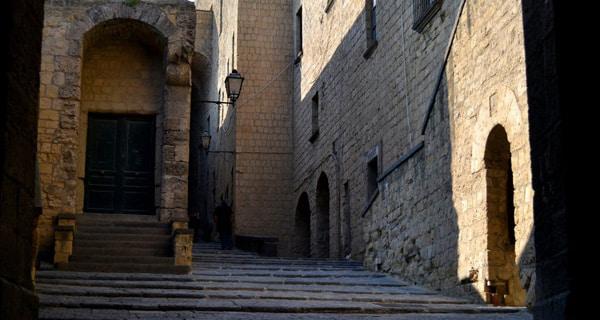 Внутренний двор Кастель-дель-Ово