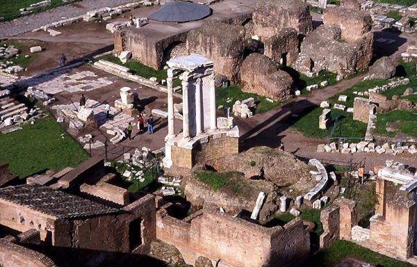 Римский форум - Храм Весты