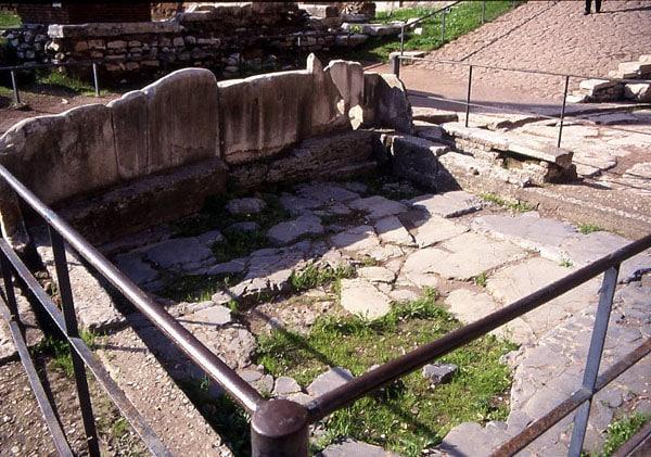 Римский форум - Lapis Niger