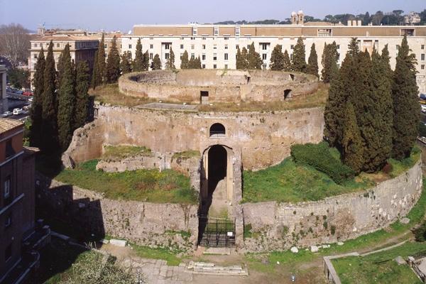 Марсово поле в Риме - Мавзолей Августа