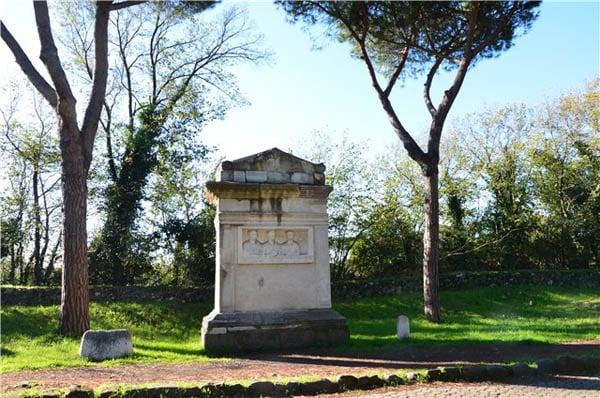 Аппиева дорога в Риме - Гробница Рабириев