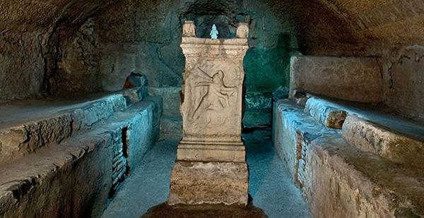Базилика Сан-Клементе - Митриум