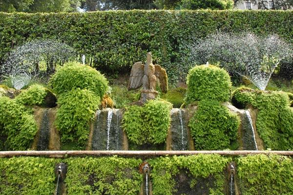 Вилла Эсте в Тиволи - Аллея фонтанов