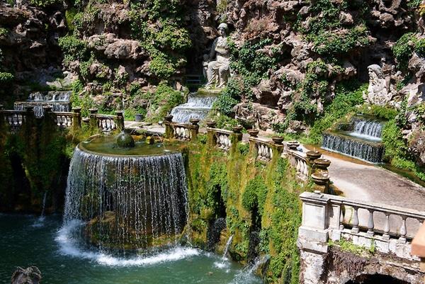 Вилла Эсте в Тиволи - Овальный фонтан