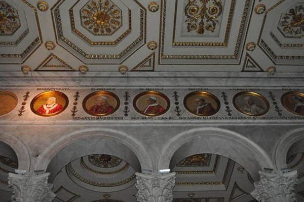 Собор святого Павла - Медальоны понтификов
