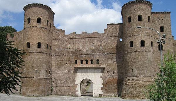 Стена Аврелиана в Риме - Ослиные ворота