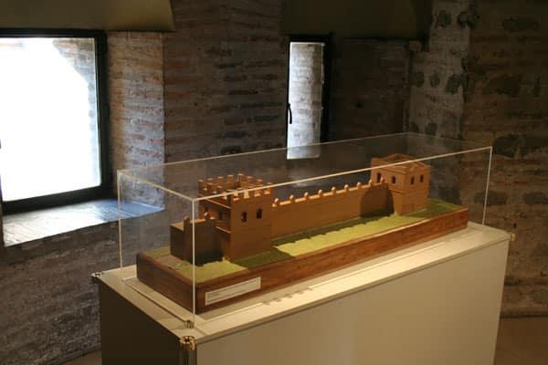 Музей Стены в Риме - экспонат