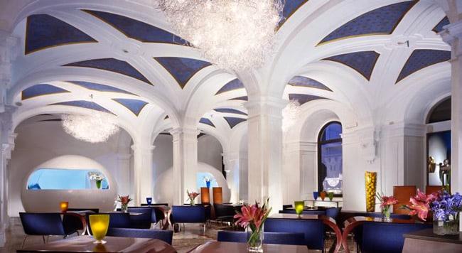 Hotel Art By The Spanish Steps самый необычный отель в Риме 4 звезды