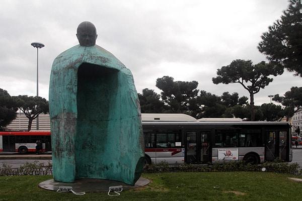 Памятник Иоанну Павлу II у Термини