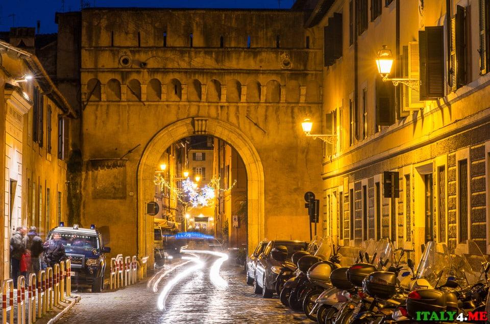 Септимиевые ворота (Porta Septimiana)