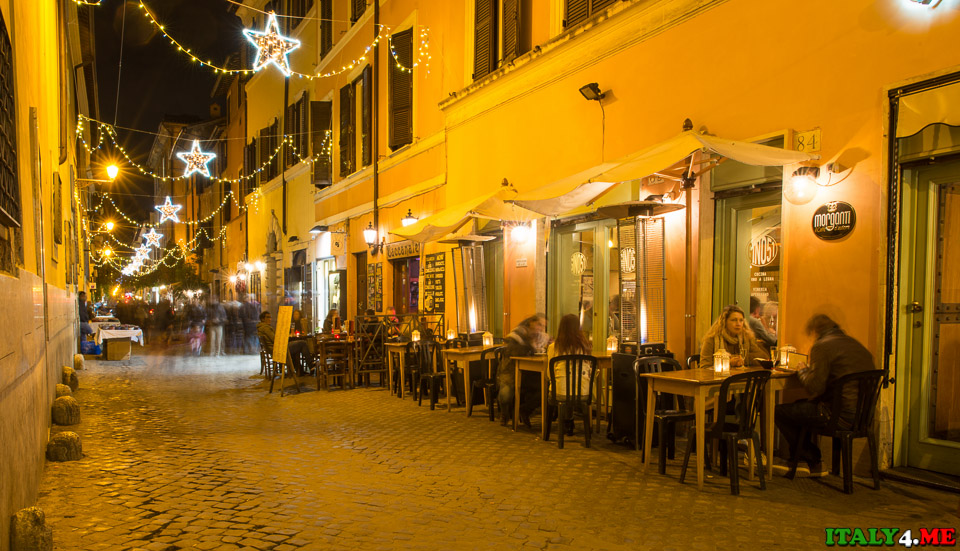 улица Via della Lungaretta в Риме