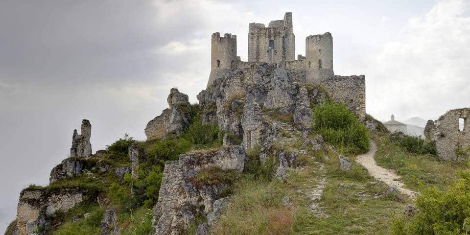 Замок в Абруццо