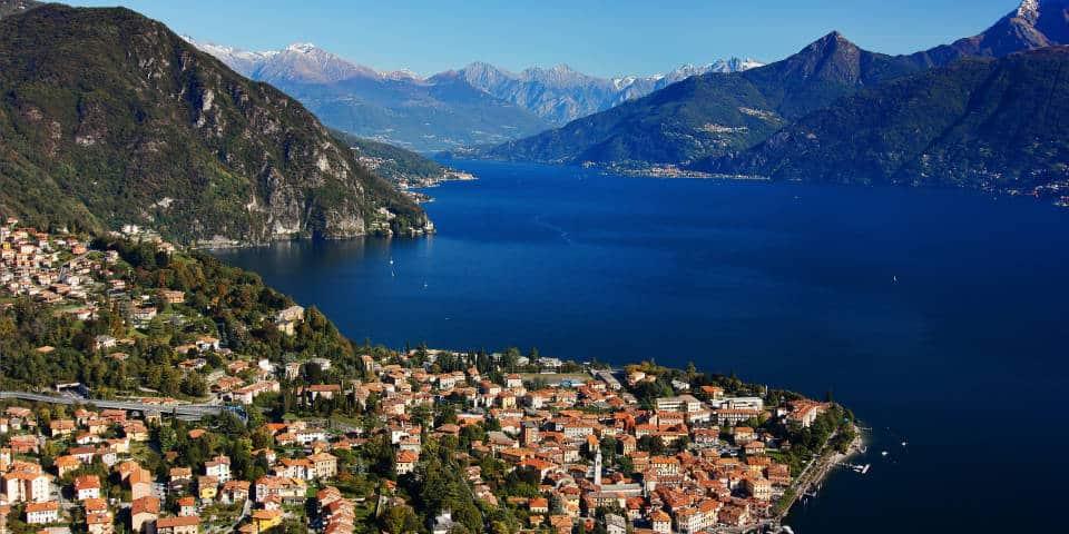 Панорама озера Комо на севере Италии