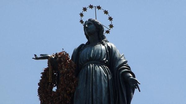 Колонны Рима - Колонна Непорочного зачатия