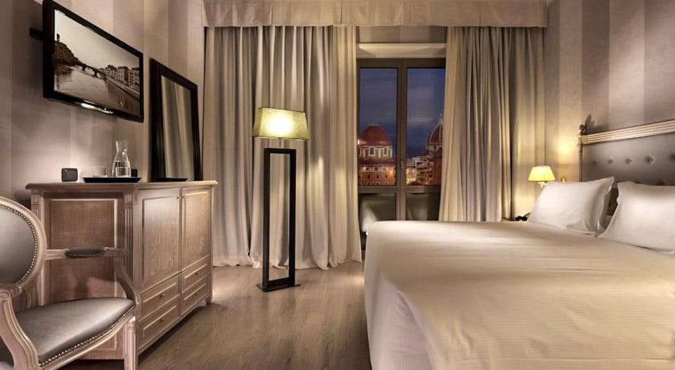 Отель 4 звезды рядом с вокзалом во Флоренции