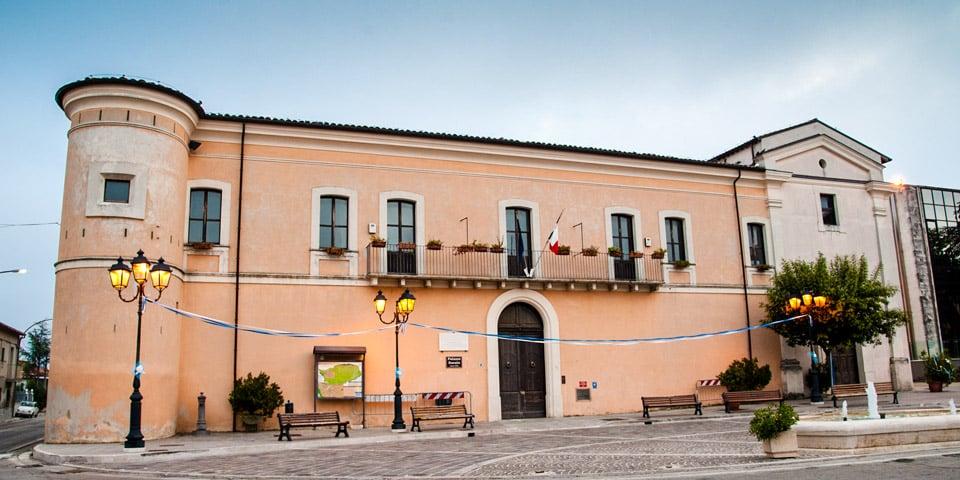 Музей любовных писем расположен в Палаццо Дукале в городе Торревекья Театина