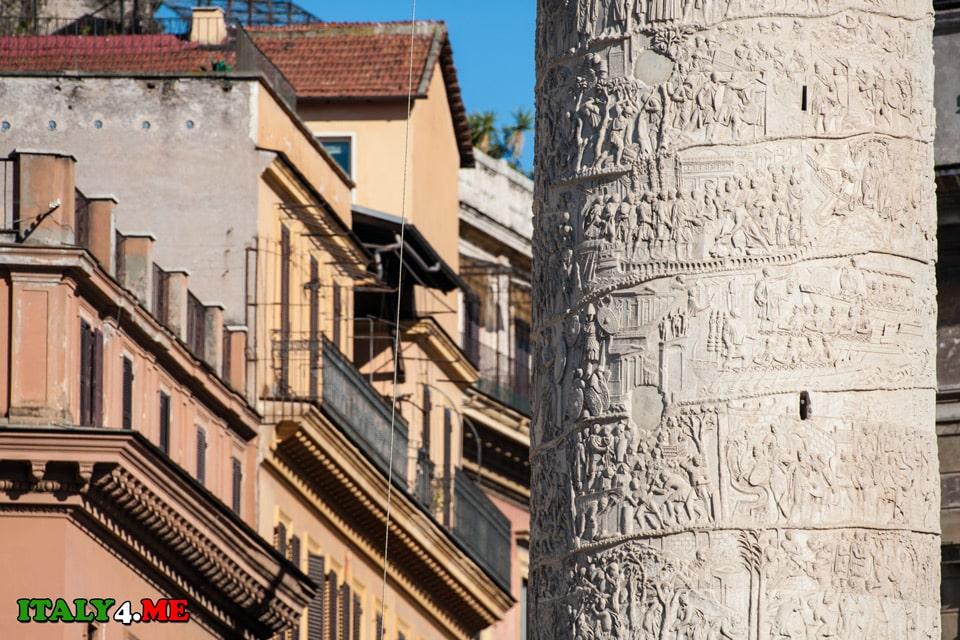 Поверхность колонны императора Траяна украшена батальными картинами, иллюстрирующими войну даков и римлян
