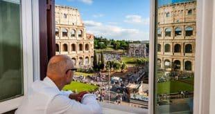 Квартира в Риме с видом на Колизей