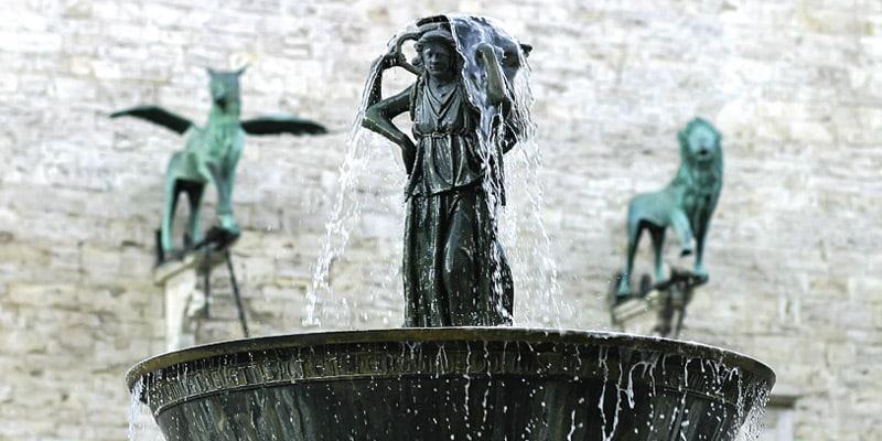 Fontana_maggiore