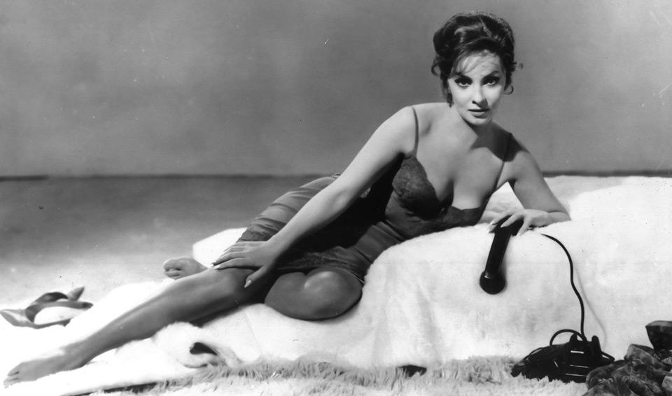 актриса Джина Лоллобриджида за год снималась в нескольких картинах одновременно
