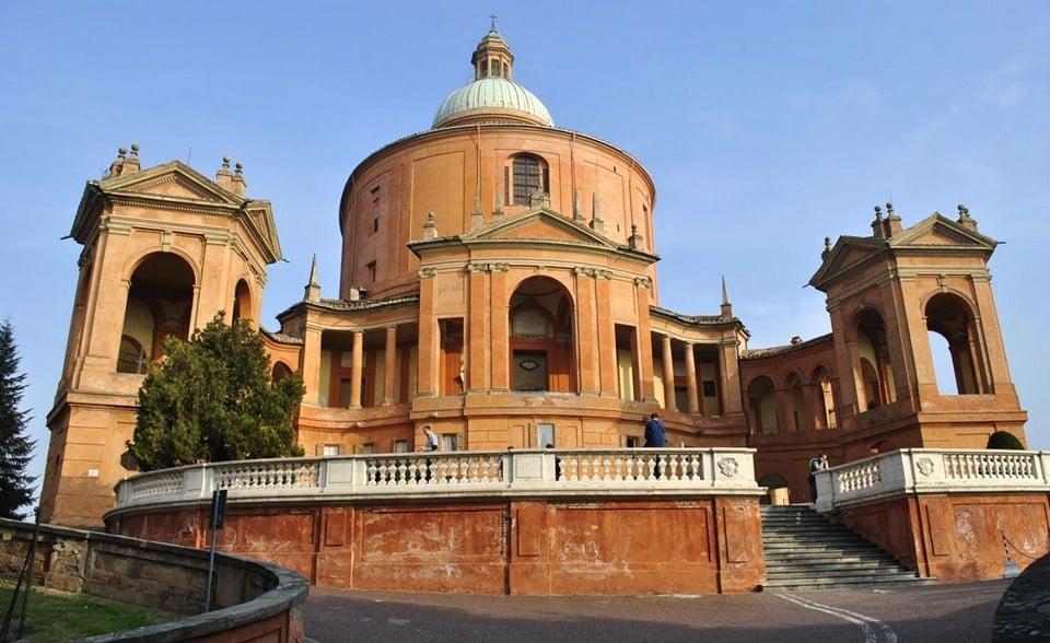 церковь Мадонны Святого Луки аркада