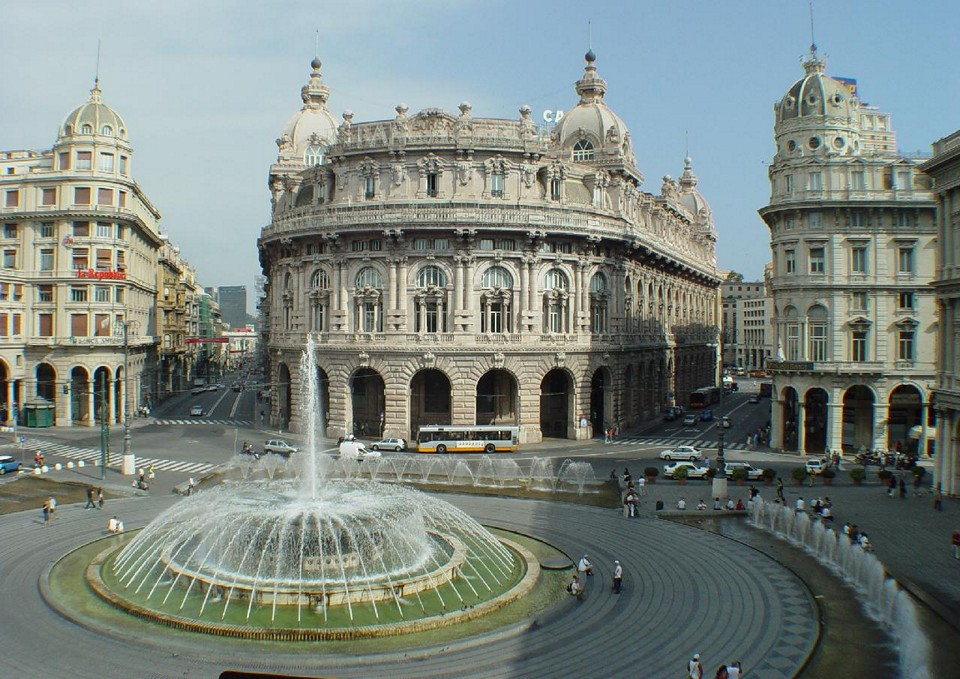 Главная улица Генуи – Площадь Феррари (Piazza De Ferrari)