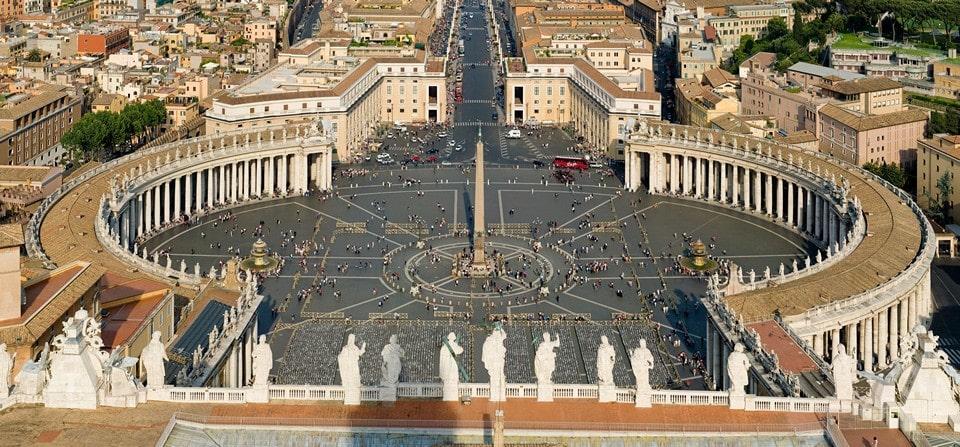 Коллонады на площади святого Петра