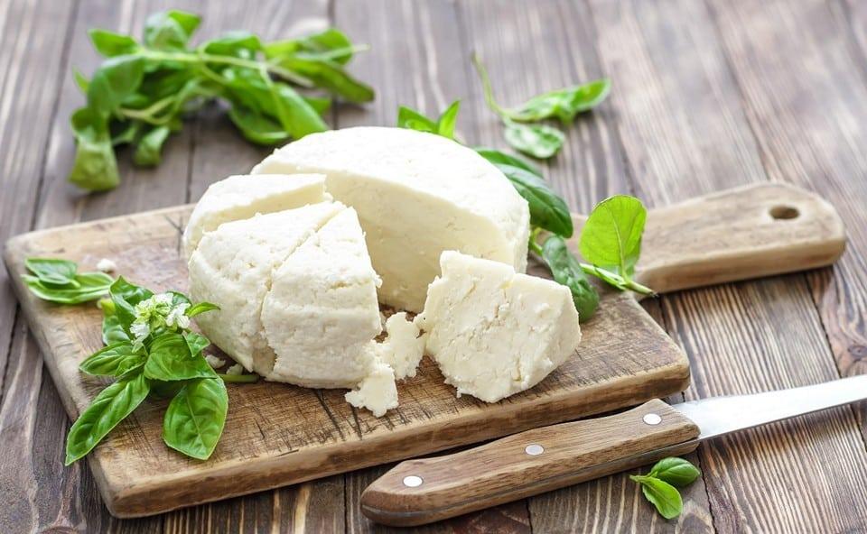 робиолу можно заменить адыгейским сыром или брынзой