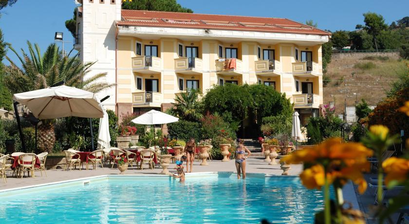 Отель Caserta Antica