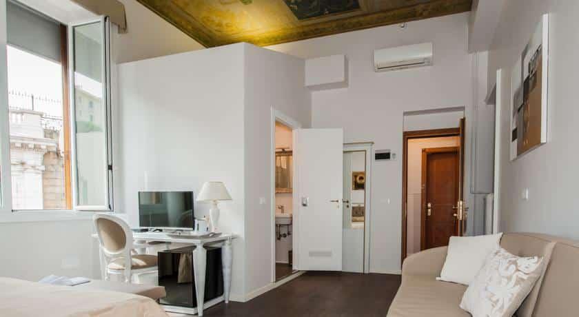 Отель Genova