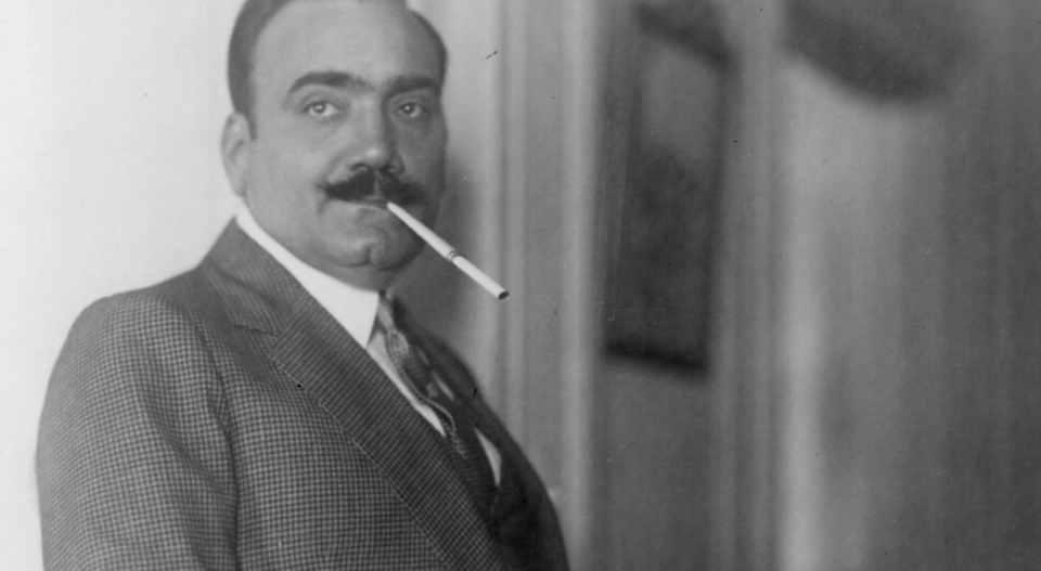 Энрико Карузо – невысокий крепкий мужчина с шикарными усами