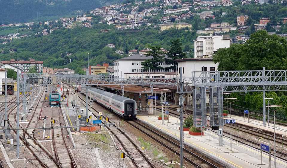 Ближайший железнодорожный вокзал к Пинцоло размещается в Тренто