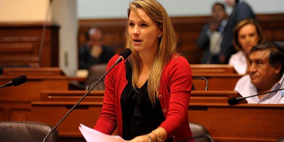 Лучиана Леон
