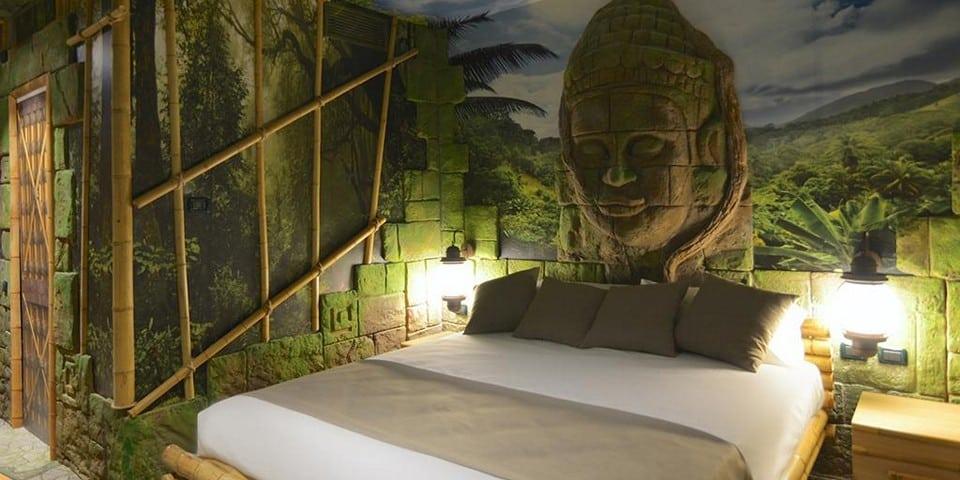 Тематическая комната отеля Гардаленд
