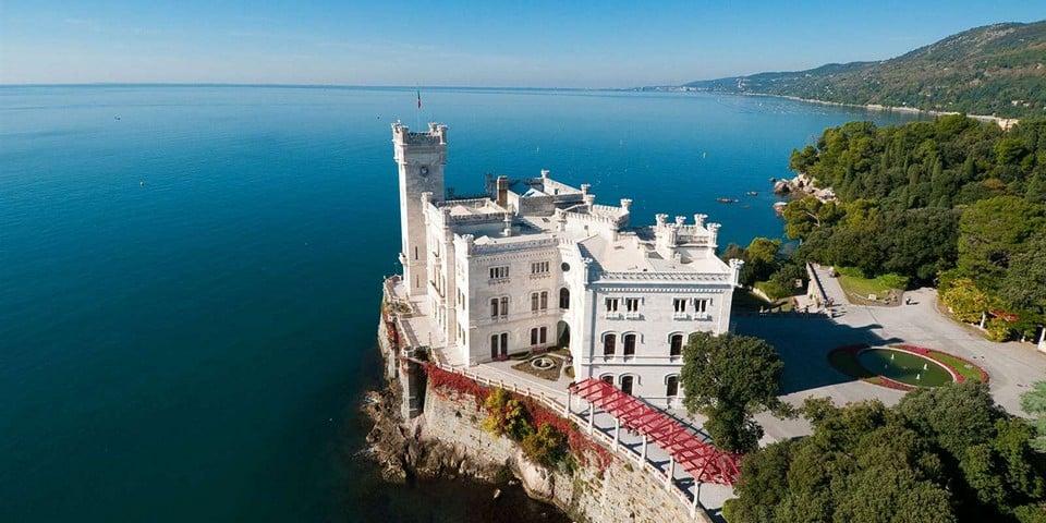 крепость-резиденция Мирамаре