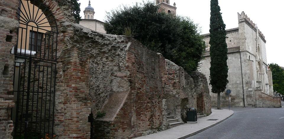 Римский амфитеатр в Терамо
