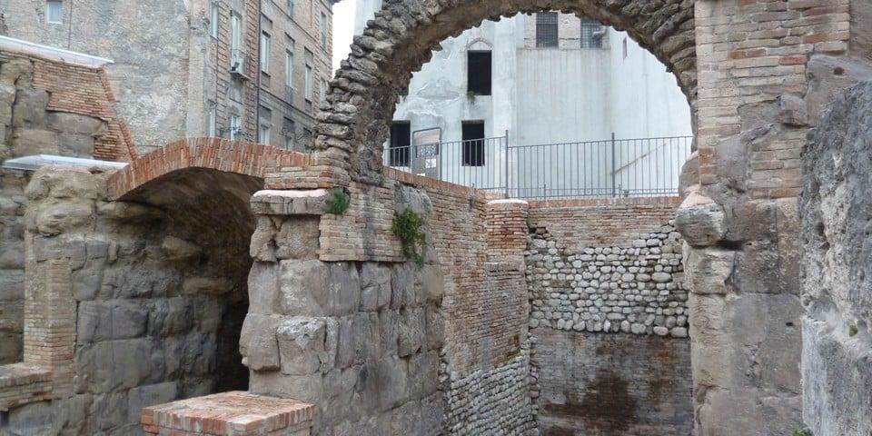 Руины римского театра