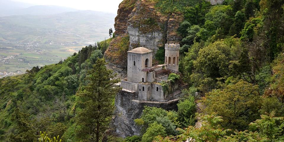 Замок Пеполи