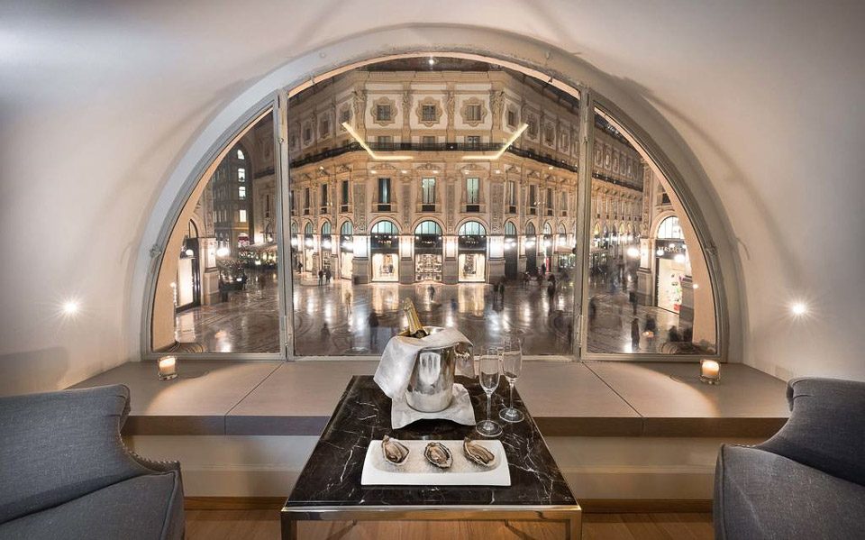Отель 5 звезд в торговой галерее Милана