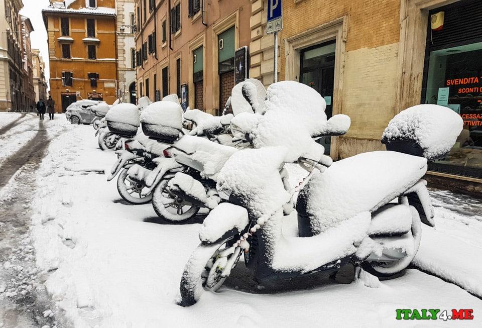 Снег в Риме заблокировал работу транспорта