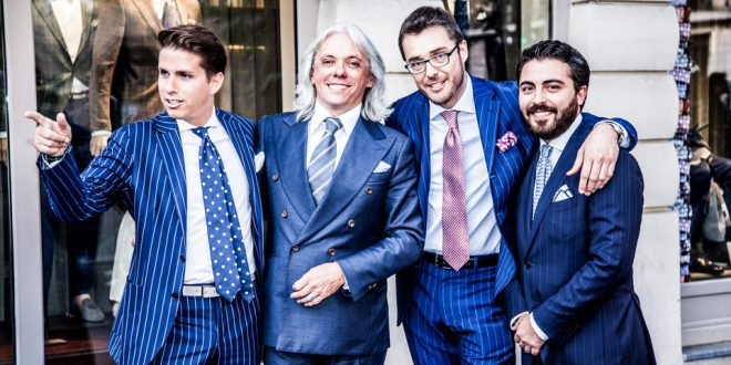Мужской костюм Boggi в Милане