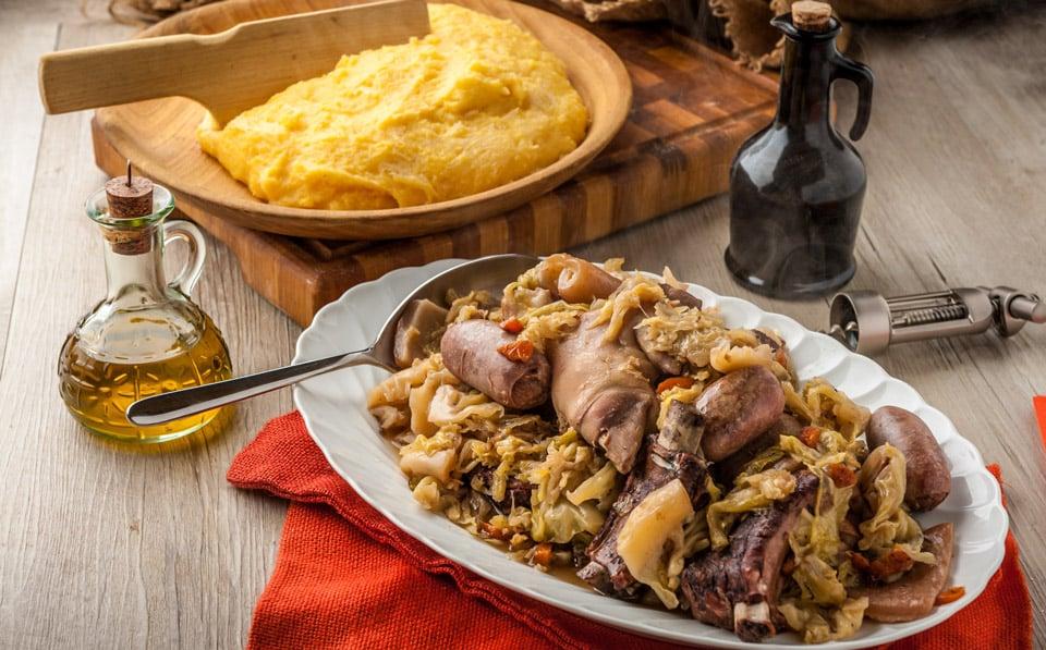 Касуэла традиционное блюдо миланской кухни