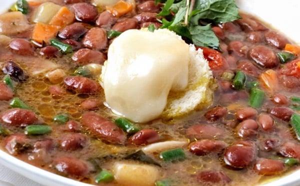 Овощной суп минестороне в Милане стоит 7,5 евро