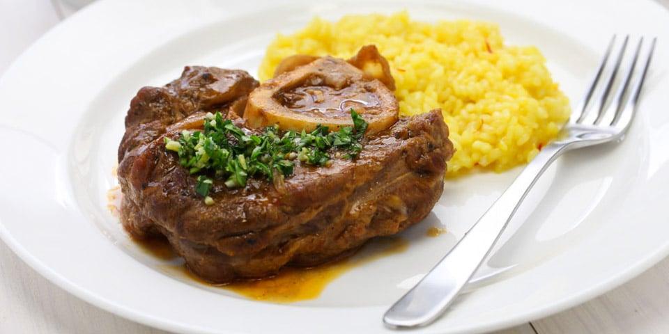Оссобуко в миланском ресторане стоит от 15 до 22 евро