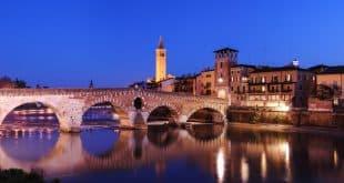 город Верона, Италия