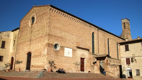 Церковь святого Августина в Сан-Джиминьяно