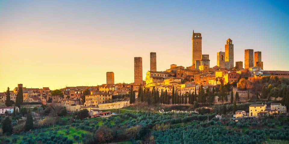 город Сан-Джиминьяно в Италии
